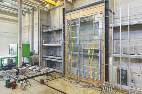 Fassadenprüfung im Schüco Technologiezentrum – Elementfassade Schüco AF UDC 80 im Test