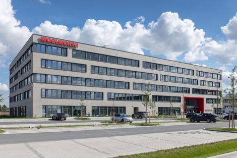 Multifunktionale Firmenzentrale von Woolworth ist fertiggestellt